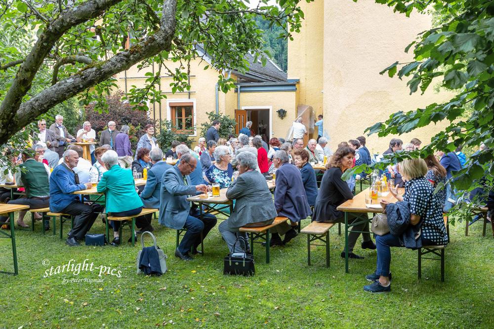 Im evangelischen Garten