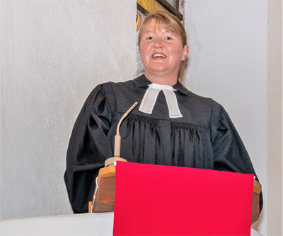 Pfarrerin Petra Grünfelder